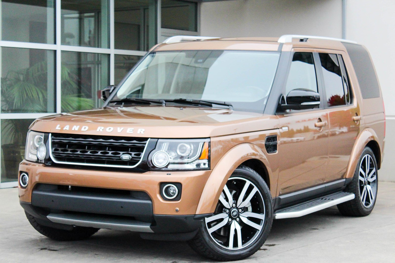 Land Rover Bellevue >> Certified Pre-Owned 2016 Land Rover LR4 HSE LUX Landmark Edition Sport Utility in Bellevue #8309 ...