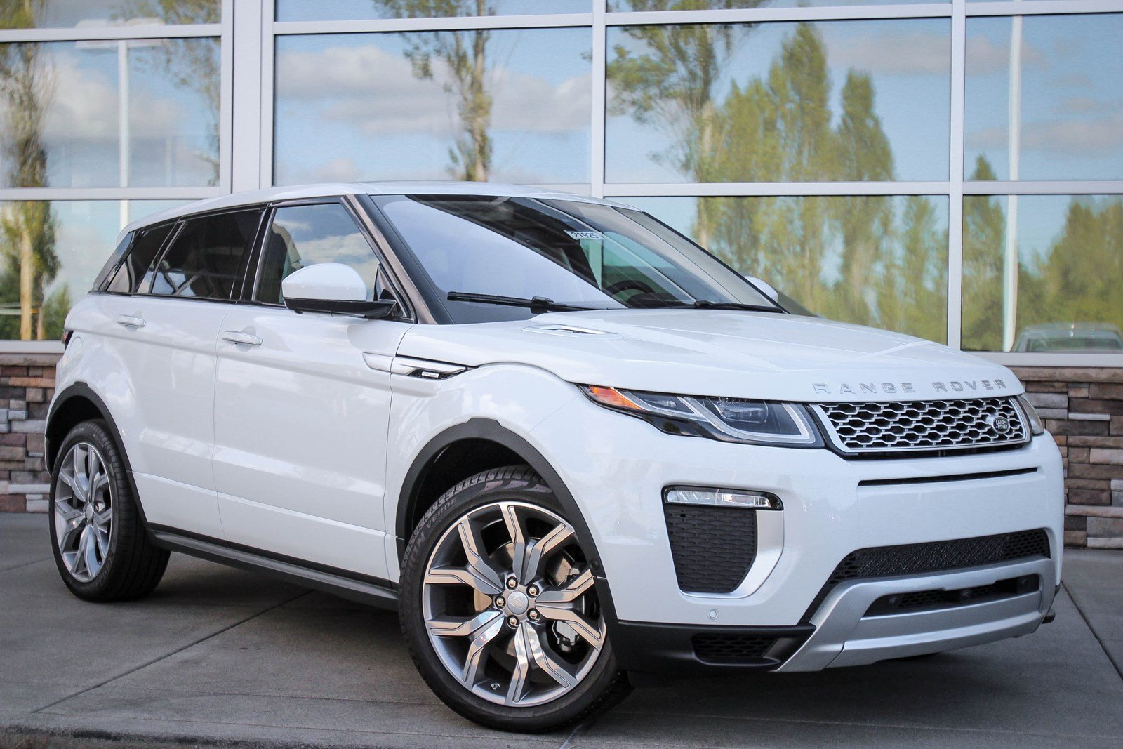 new 2017 land rover range rover evoque autobiography sport utility in bellevue 21925 land. Black Bedroom Furniture Sets. Home Design Ideas