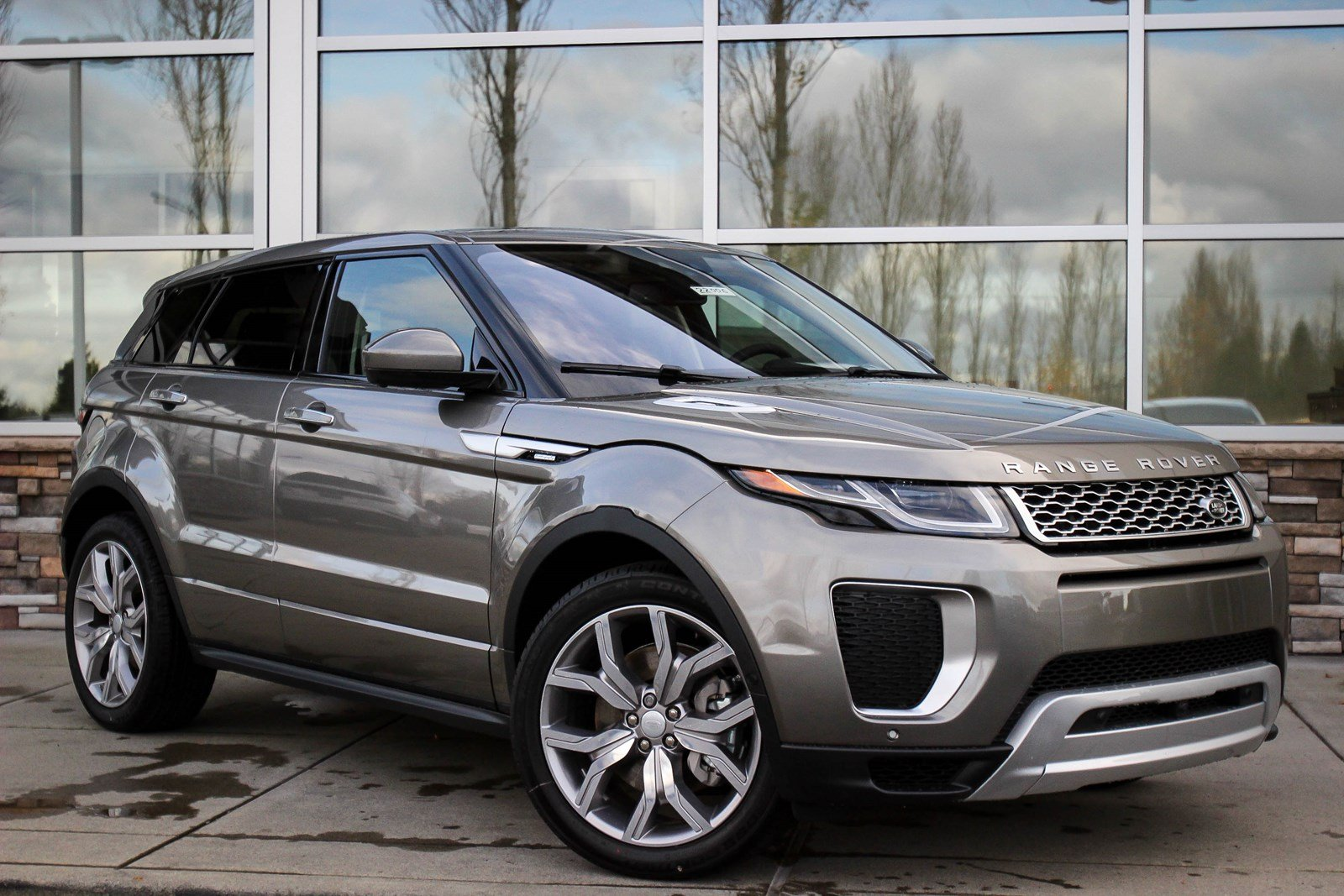 land rover range rover evoque 2018 new car release date and review 2018 amanda felicia. Black Bedroom Furniture Sets. Home Design Ideas