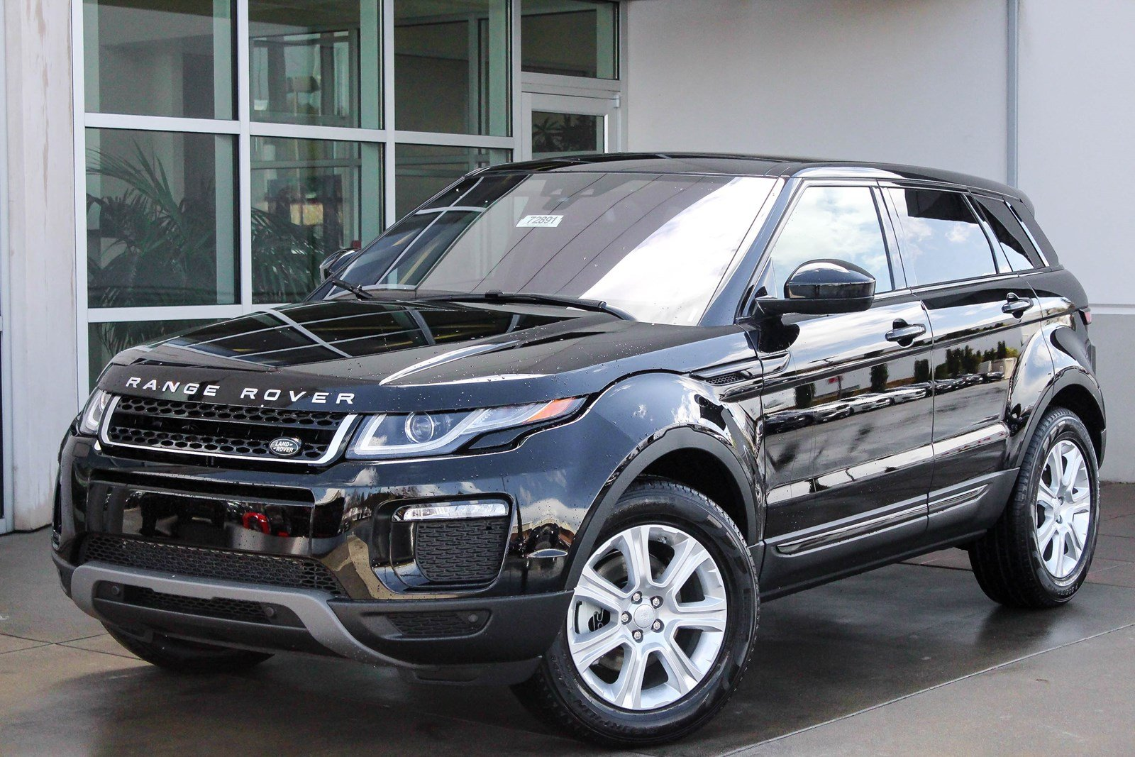 certified pre owned 2017 land rover range rover evoque se premium sport utility in bellevue. Black Bedroom Furniture Sets. Home Design Ideas