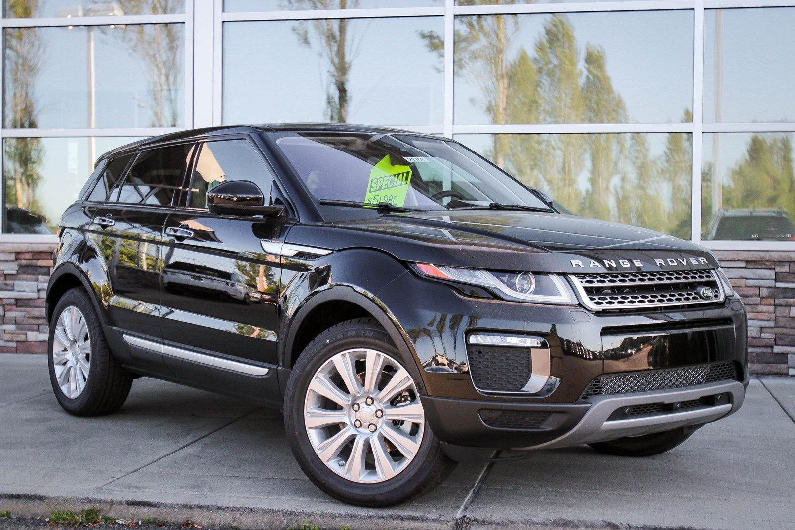 New 2017 Land Rover Range Rover Evoque Hse Sport Utility